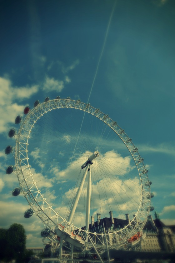 London eye in colour..